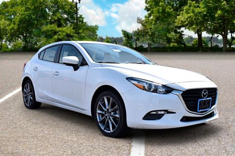 Certified Pre-Owned 2018 Mazda3 Touring Touring